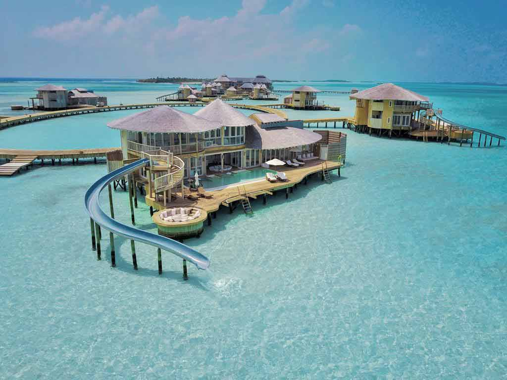 Luxury Travel To the Maldives